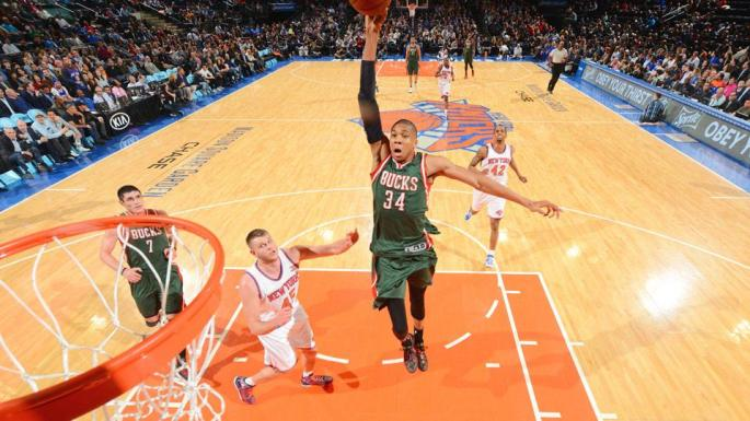 giannis-antetokounmpo-dunk-video-bucks-knicks