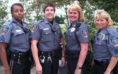 four-female-cops
