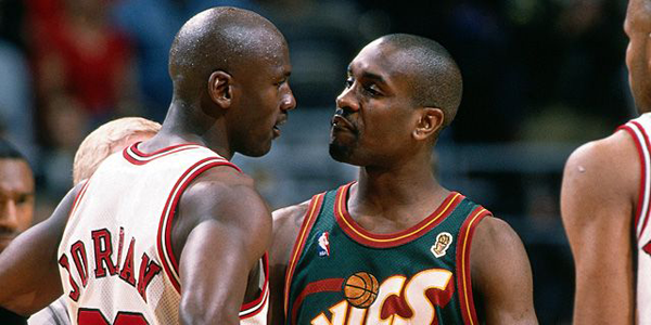 gary-payton-checking-a-bum
